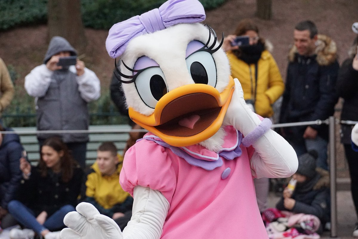 Queen  #queen #fabulous  #daisyduck #daisy #disneyduck #duck #Disneyland #disneylover #disneylandparis #disneyparis #disneyparks #disneylandpark #disney #disneylife #disneylove  #disneystarsonparade #starsonparade #lostinthemagic #disneyparade #disneylifestyle  #disneyphotopic.twitter.com/mjv3piLVzO