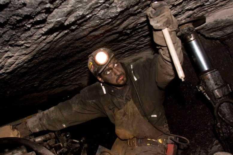 As COVID-19 Spreads, Coal Mines Remain Open Despite Close Quarters. pnsne.ws/3bsM1vJ