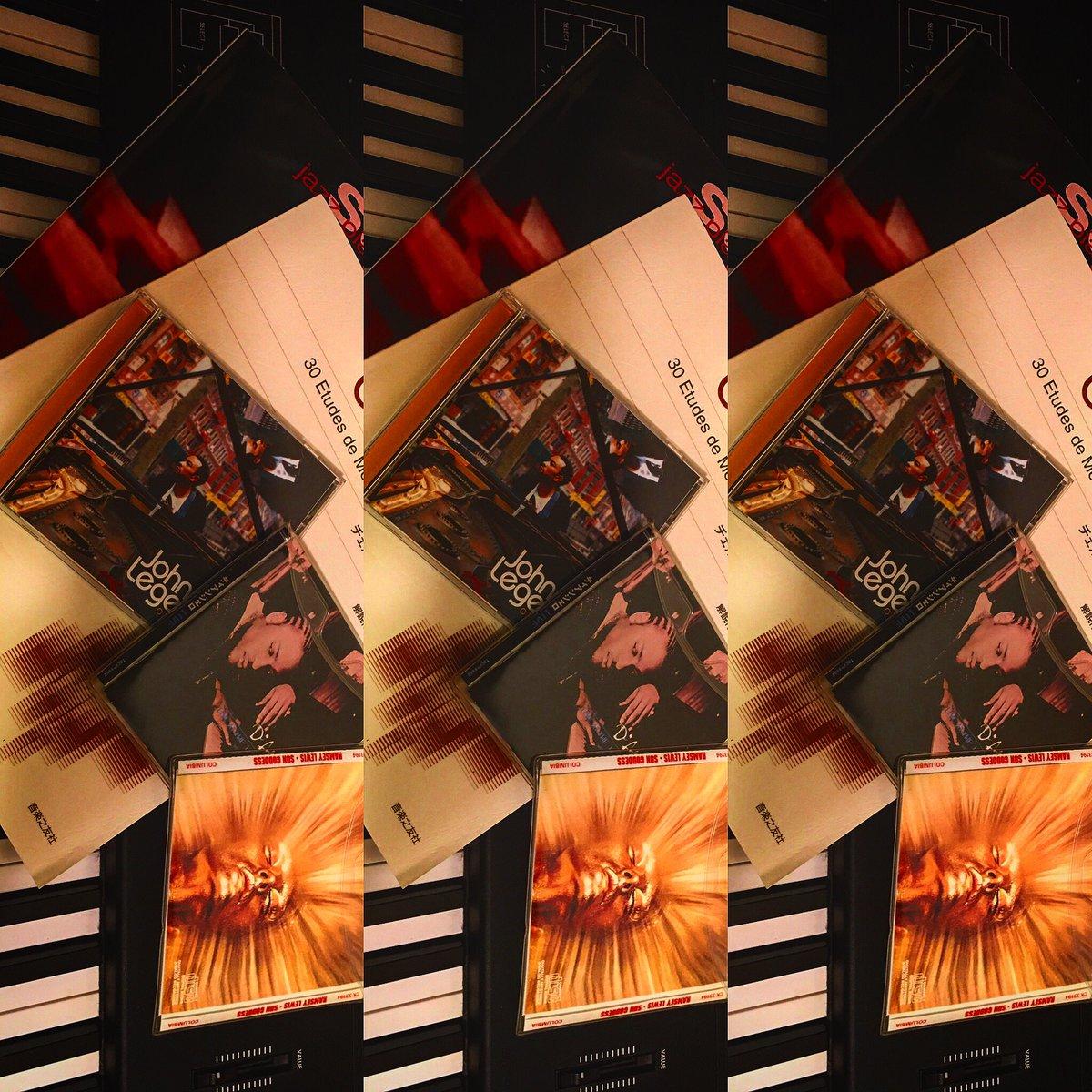 28日(土曜)29日(日曜)は東京都の 外出自粛要請をうけ営業自粛 と致します前向きには希望があると 信じているので明日明後日は大好きな ピアノを弾き倒します 笑顔と元気は好きな事から #萬屋遊蕎 #蕎麦 #蕎麦屋 #蕎麦割烹 #蕎麦居酒屋 #そばまえ #炭火焼 #鮮魚 #天ぷら #酒肴 #不動前 #目黒 pic.twitter.com/b4tzB6Lhbj