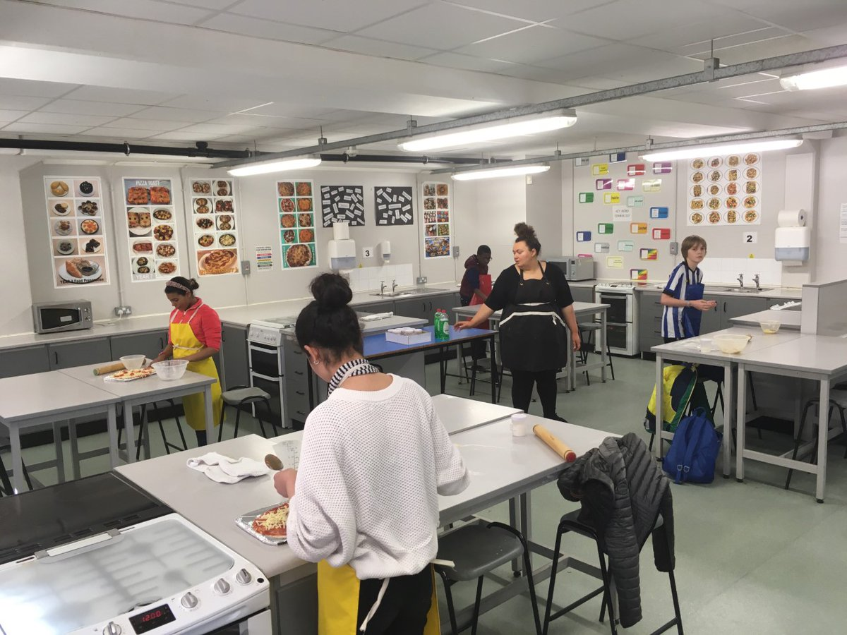 King Edward Vii School Sheffield On Twitter Students At Lower School On Friday 27 March 2020 Students Spent A Great Afternoon Making Their Own Pizzas In The Food Technology Room With