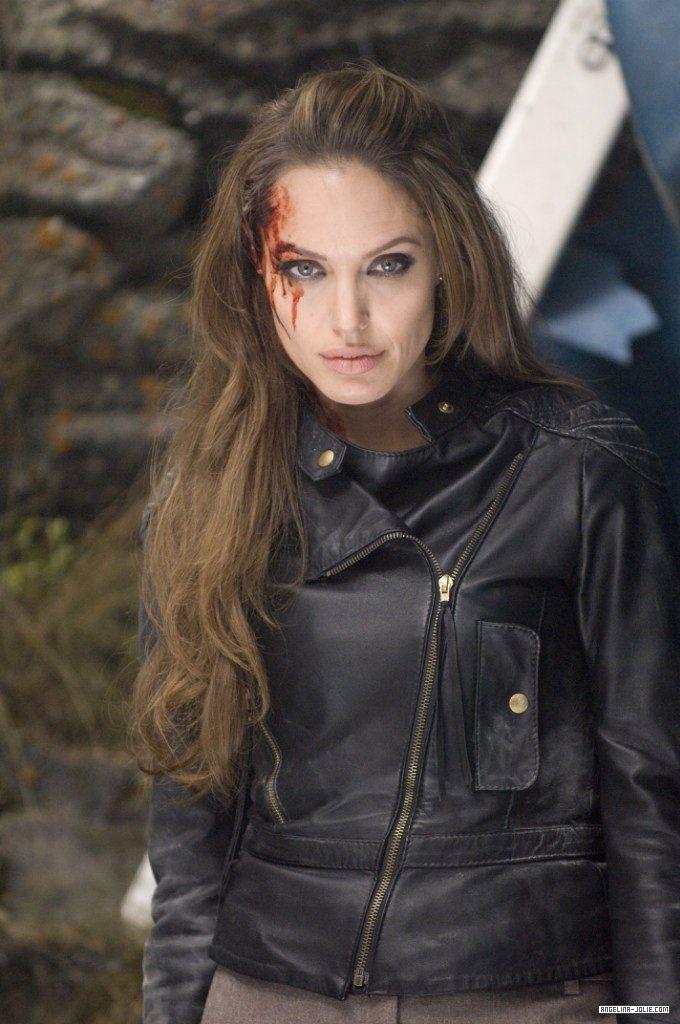 best of angelina jolie (@bestofajolie) on Twitter photo 29/03/2020 14:00:09
