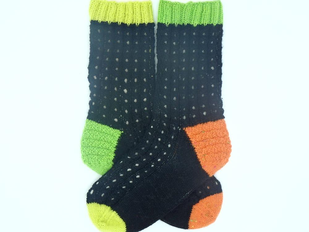 Patterned socks Gift for son or daughter Handmade Socks knitted in green, orange and yellow Neon colors https://etsy.me/2BmdyhI #InternationalWomensDay2020 #Supportsmallbusiness #happyeaster #Womeninbusiness #Pottiteam #EtsyTeamUNITY #HappyMonday pic.twitter.com/15HnVTntP5