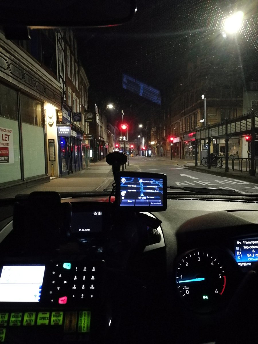 Also an empty High Street in #Worcester for the Friday late shift. Attended collapsed male in #Evesham with @OFFICIALWMAS. Numerous #NonKeyWorkers sent home, and a person in crisis located with help from @SWorcsCops #StayHomeSaveLives #COVID19pic.twitter.com/6bOqbDkWyC