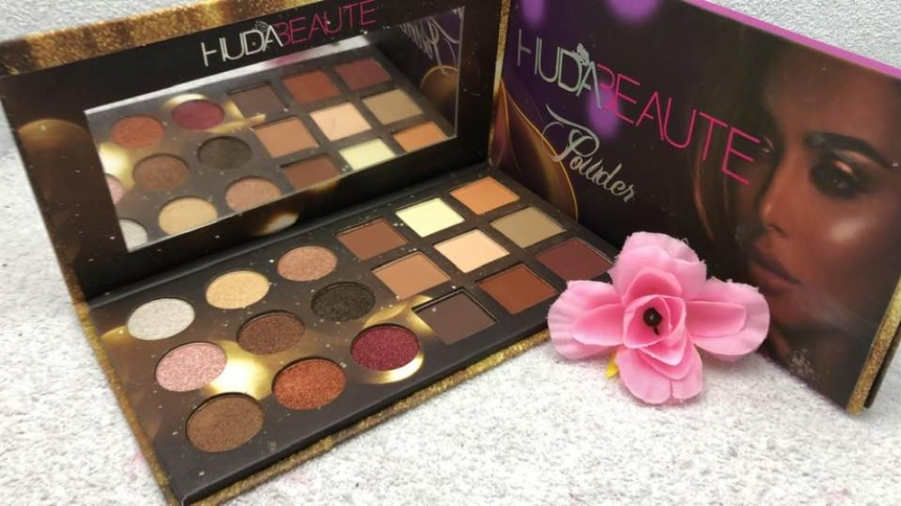 HudaBeauty Eyeshadow Palette LBP15000 Tag a friend who would love this! Get it here ---> https://lebaneseshoppingcenter.com/product/hudabeauty-eyeshadow-palette-2/… #lebanon #onlineshop #instagram #lebaneseshoppingcenter #onlinestores #lebanonmarketplace #facebook #twitter #follow #shopping #followme #follower #pleasefollow pic.twitter.com/W7PMJMMOd0