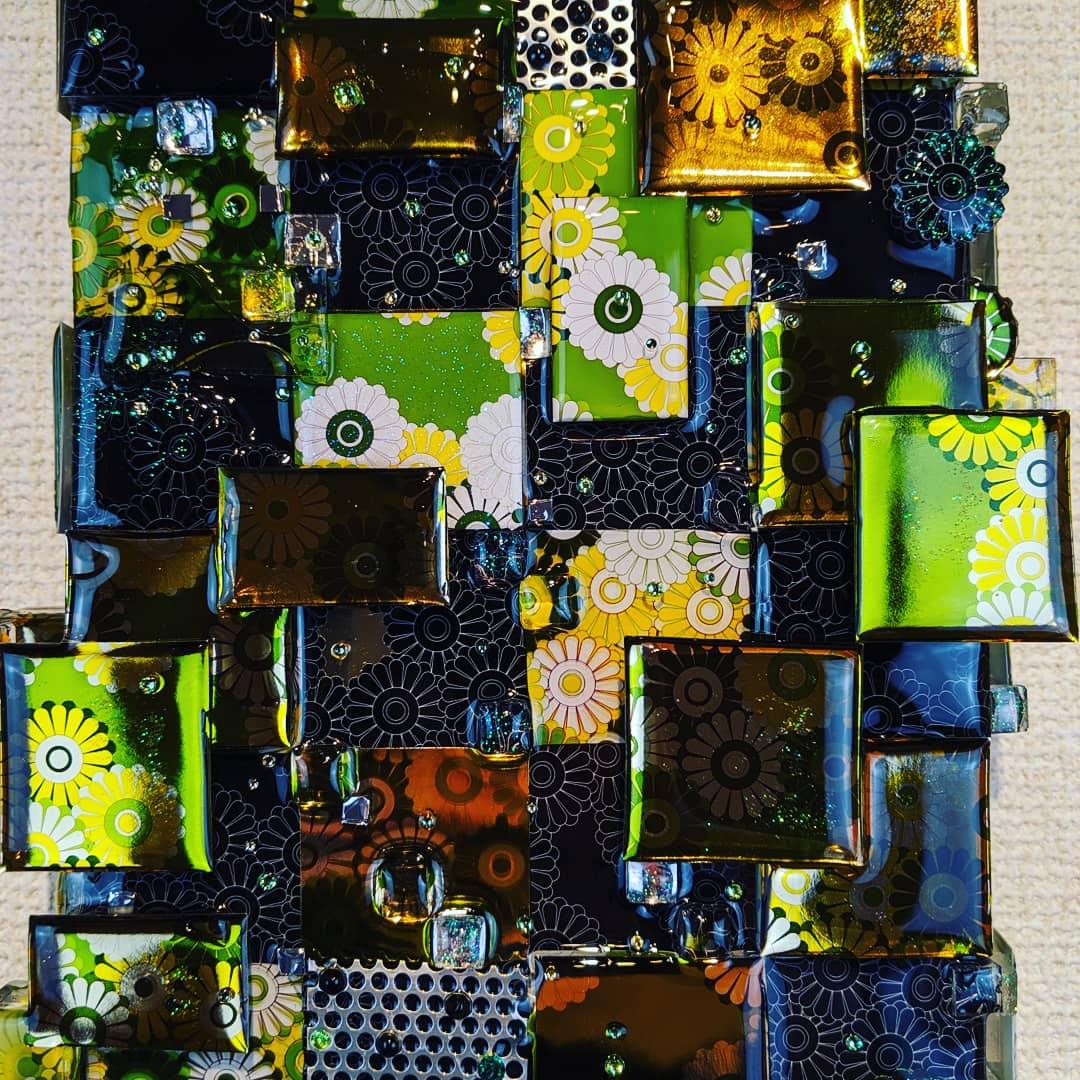 title : flowers - ICHIMATSU size : 158mm x 227mm mixedmedia #resin #art #contenporaryart #mixedmedia #swarovski #rhinestone #tokyo #japan #kawaii #colorful #illustrator #3d #panchingmetal #exhibition #hankyumenstokyo #銀座 #アート #tagboat #flower #ichimatsu #和柄 #市松模様pic.twitter.com/ji2bdXntjt
