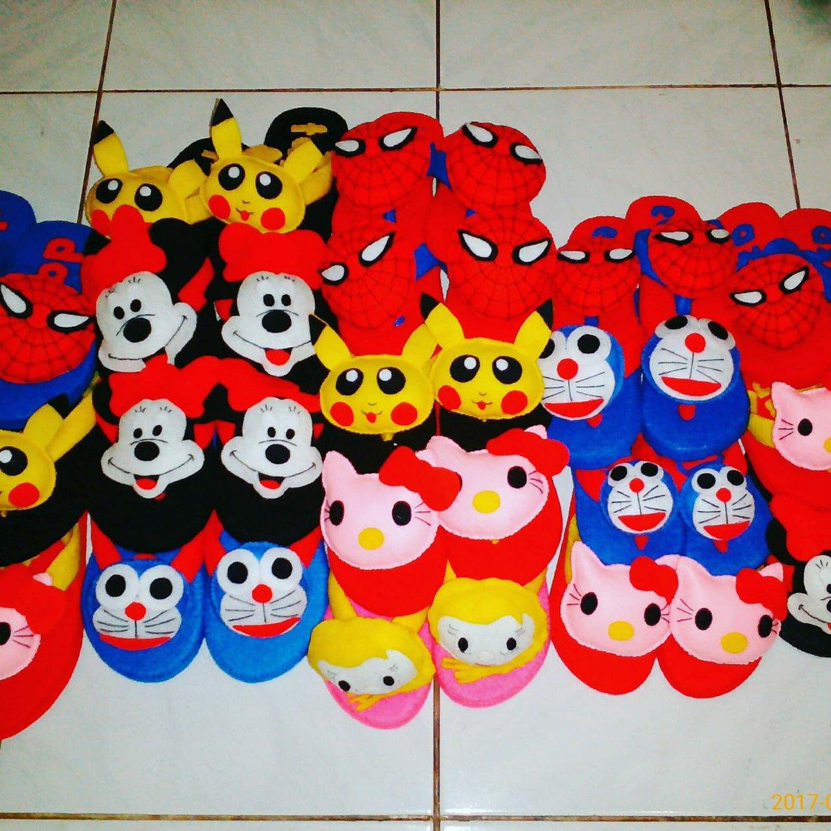 @Jeparapedia sayang anak..sayang anak,murmer...sandal anak flanel berbagai karakter.silakan hub WA 085327956220. juga banyak produk flanel lainnya,kepoin di IG