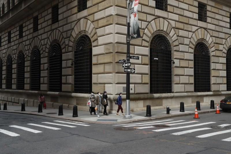 New York Fed sets fee structure and terms for agreement with BlackRock https://www.reuters.com/article/us-health-coronavirus-fed-blackrock-idUSKBN21E37I?taid=5e7ea0755ef3770001784f53&utm_campaign=trueAnthem%3A+Trending+Content&utm_medium=trueAnthem&utm_source=twitter…