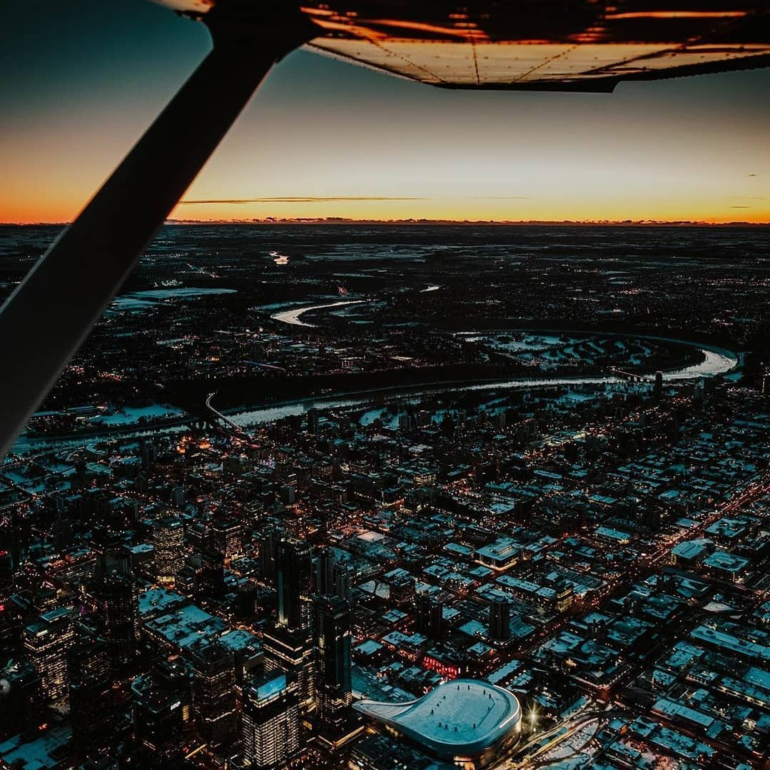 In the sky #ExploreEdmonton   : the_exjeriment on IG<br>http://pic.twitter.com/5WhJNlypEJ