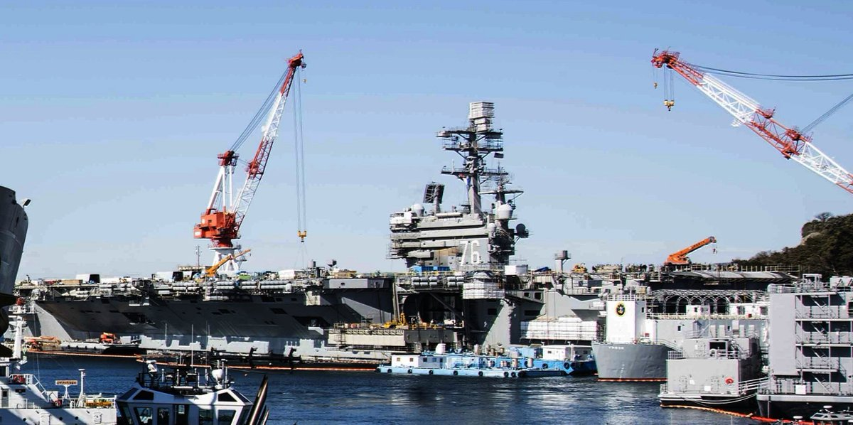 Sailors aboard the #Japan-based #carrier USS RONALD #REAGAN CVN76 have tested positive for the #coronavirus, leading to a 48-hour lockdown at #Yokosuka naval base. REAGAN was not on patrol but has been in a maintenance period since returning last Nov.  https://english.kyodonews.net/news/2020/03/a6d417977095-us-aircraft-carrier-hit-by-virus-forces-lock-down-on-base-in-japan.html…pic.twitter.com/B5OoLZC7fx