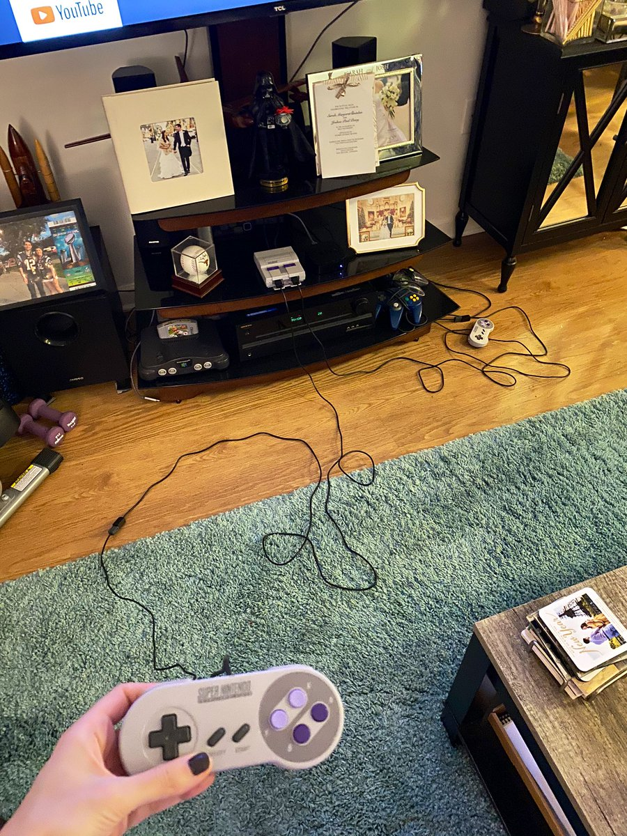Look at these utterly ridiculous cords @MrJoshPerry bought so we could play SNES Classic from our couch. (Which doesn't even work for me because I'm blind and need to sit closer ) pic.twitter.com/8nITYmOa8w