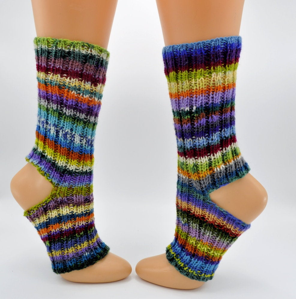 Dance teacher gift barefoot socks for belly dance hand knitted striped flip flop socks https://etsy.me/2xJ5I1a #crowdfunding #EtsyTeamUNITY #craftychaching #Pottiteam #Supportsmallbusiness #Womeninbusiness #happyeaster #HappyMonday pic.twitter.com/K0byw7E8dy