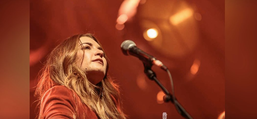 Tenille Townes (@tenilletownes) on Chris Country Breakfast!   WATCH / LISTEN HERE: https://www.chriscountry.co.uk/on-air/podcasts/breakfast-show-interviews/episode/tenille-townes-on-chris-country-breakfast…  : @ChrisCountrypic.twitter.com/MTm3ssJPXK