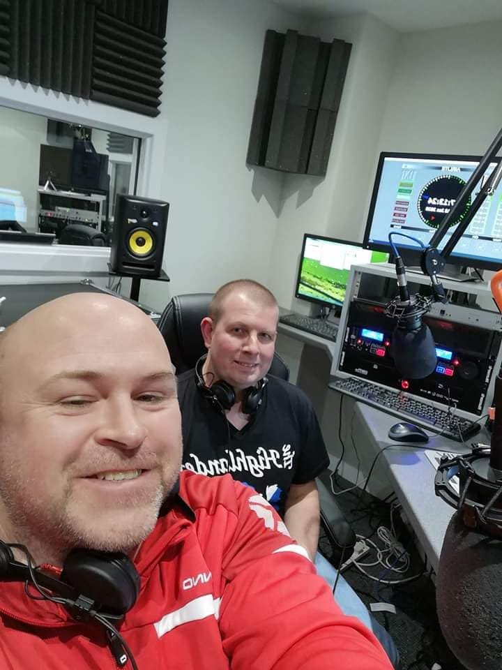 And to give you some #Saturday night vibes, Kevin and Dale kick off with some #dancemusic 4-6 til Magnetic  North 6-10. Graham Doc will also be on #FacebookLive 8-10. So now you will see how awesome he looks!!pic.twitter.com/5BIFFwg33v