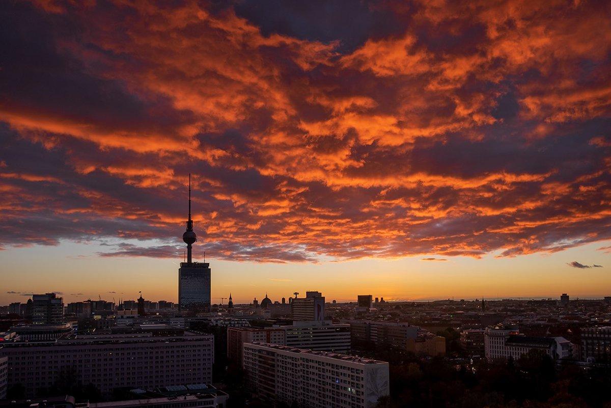 Epic view in #Berlin pic.twitter.com/mkSJnU8G9C