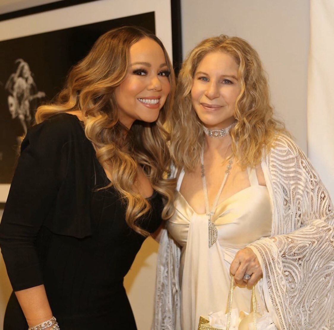 Happy big b'day @MariahCarey! It was nice seeing you at my last concert in New York. Hope you're well - stay inside! 💛