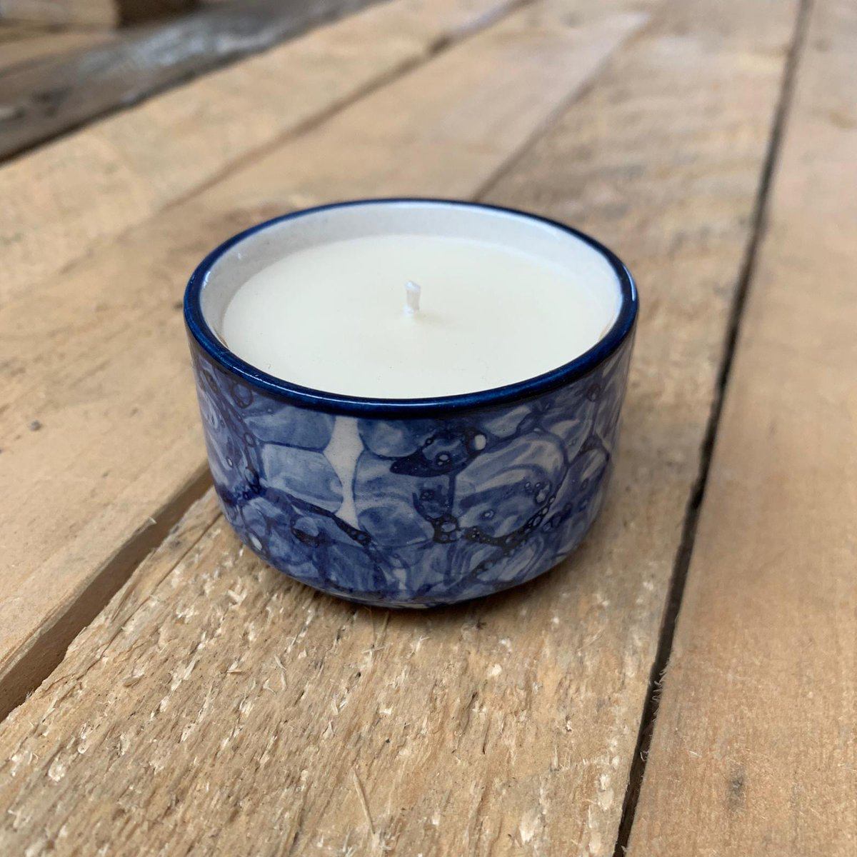 Last up, I love this blue! Would you buy it for your home or for a gift? #newdesigns #newrange #candles #handmade #glazedclay #dharavislum #indiamade #orginalscent #dalitgoods #dalitcandles #artisanmade #giftwithastory #brandswithpassionpic.twitter.com/FN2FR57pIA