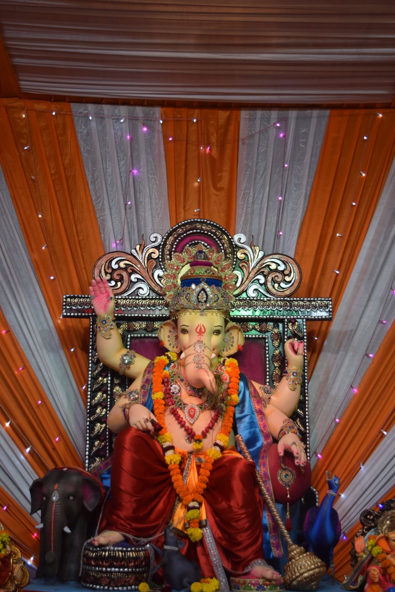 Shree govind aashram 2019 ambika niketan mandir,Bardoli  https://360ganesh.com/shreegovindaashramambikaniketanmandirbardoli2019?srno=674&cid=249…  #shreegovindaashram #Bardoli #ambikaniketan  #360ganesh #bardoliganeshutsav #ganpatibappa #majhamorya #ganeshji #ganpatidecoration #ganpatifestival #hindufestival #ganpatifestivalpic.twitter.com/2RvhJay7G5