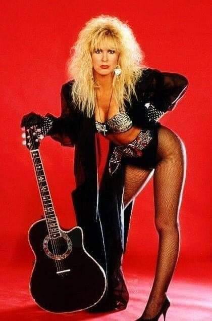 #goodafternoon #Metalheads #Rockers #metalfamily #WomenofMetal #metalgirls pic.twitter.com/MwSdSM8FL8