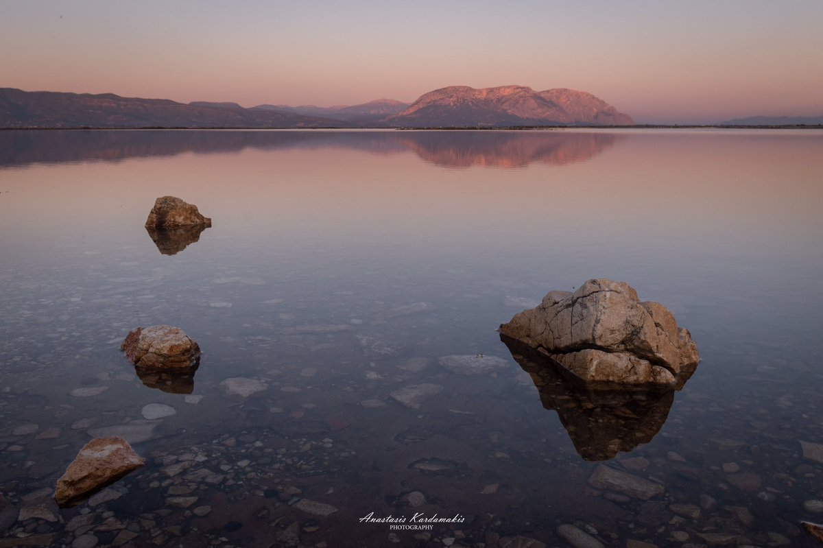 """Tranquility"" For more shots like this, check out my portfolio: https://kardamakis.com/portfolio-2/  #photography #lagoon #greecepic.twitter.com/3pY50UbaRg"