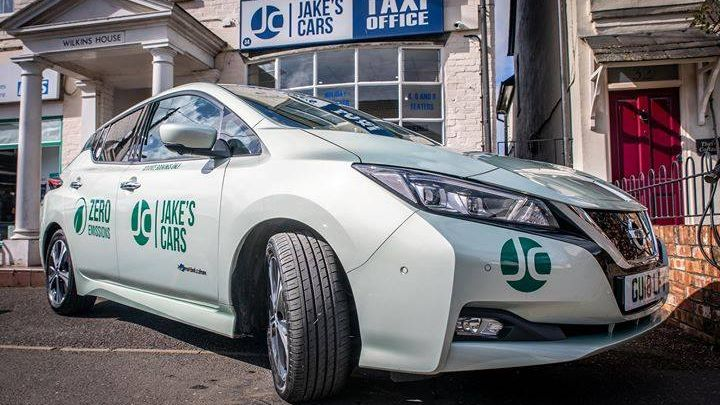 WHY BOOK WITH JAKE'S CARS?  Professional, friendly service  Quick and easy to book  We offer a 24/7 service Download our app now  Link in bio! pic.twitter.com/Lii26en8kT