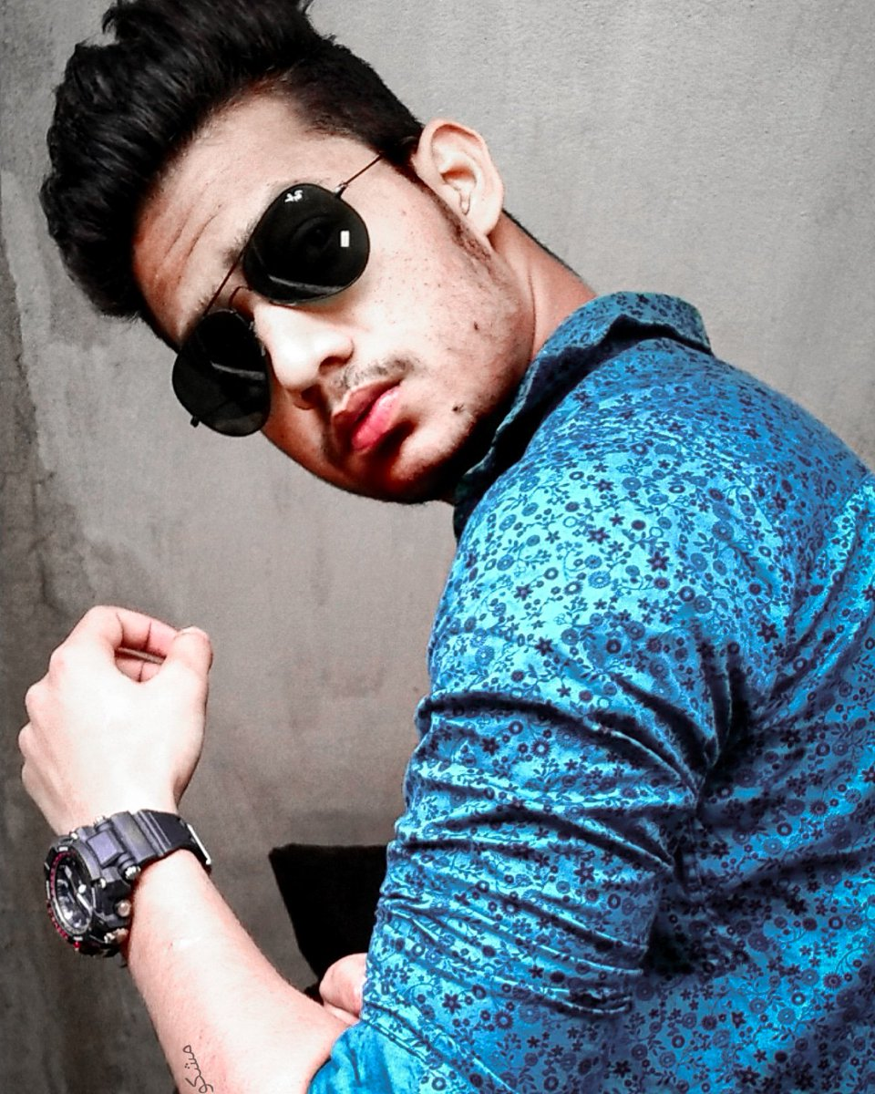 Attitude and class will always be my first preference.. #motivation pic.twitter.com/amZpJpVIgc