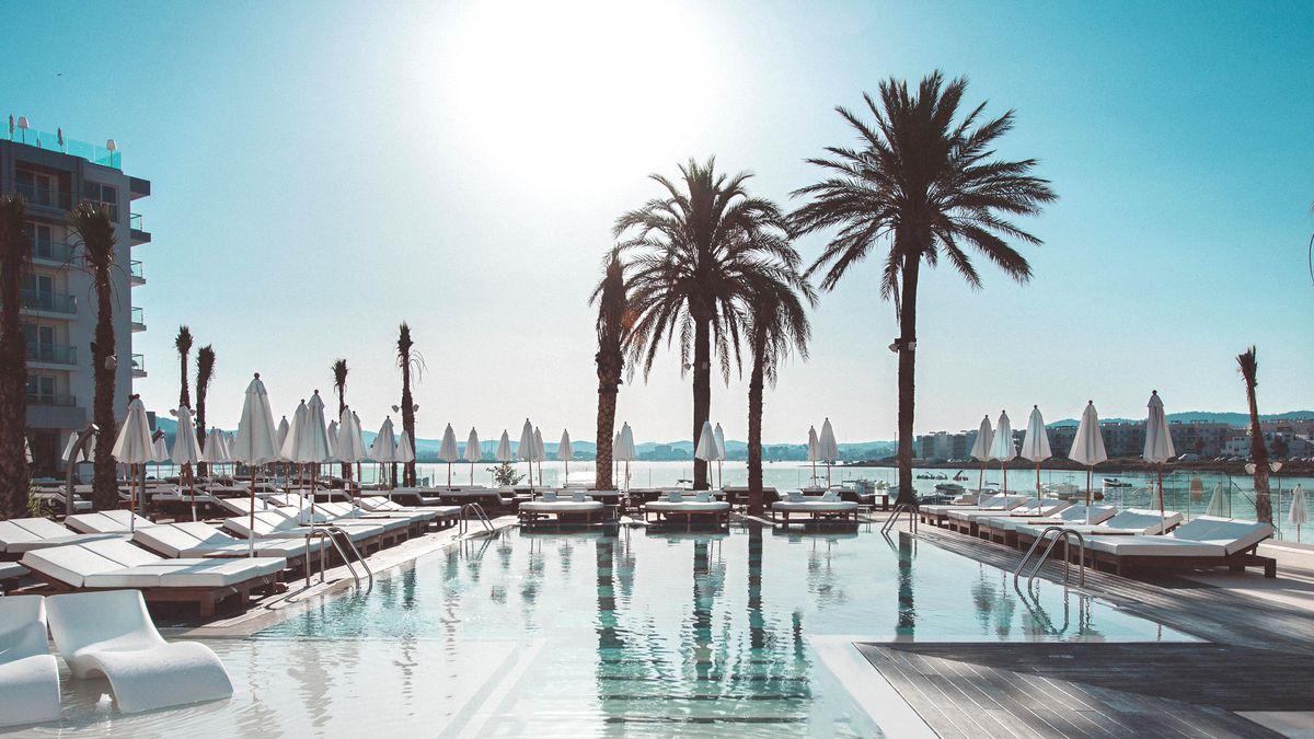Luxe 4* Adults Only Ibiza holiday this September 7nts from £543pp - incl. breakfast & free hotel amendments http://dlvr.it/RSjvhh pic.twitter.com/yhaYOKM08v #SME #WednesdayWisdom #ThursdayThoughts #FridayFeeling #SaturdayMorning #SundayMorning #MondayMotivation #TuesdayThoughts…