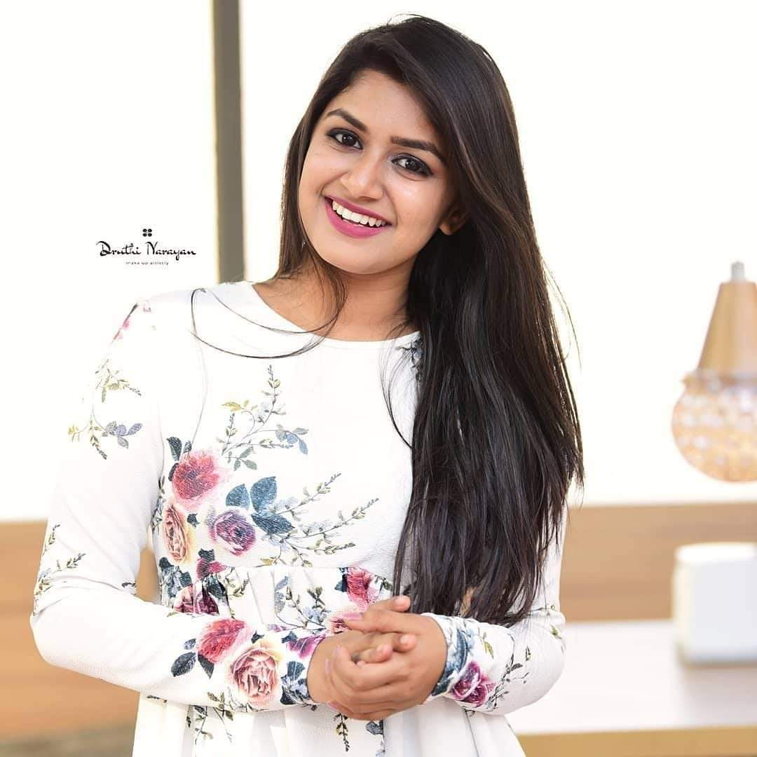 🙌Wishing A Very Happy Birthday To You #Statecrush Darling @SanjanaAnand11 🎂😍🙌 Have A Blockbuster Year Ahead 🎬 Best Wishes From 8oss @PuneethRajkumar Fans😘💐👐 #SanjanaAnand #HappyBirthdaySanjanaAnand  #PuneethRajkumar #salaga #TheRajkumars  @PuneethRajkumar @SanjanaAnand11