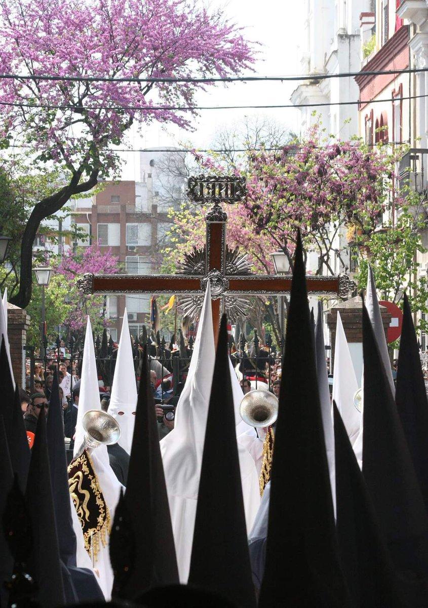 A esta hora, dentro de 365 días, si Dios quiere, se volverán a abrir las puertas de San Sebastián para que La Paz salga a la calle.   📷: Ángel Jiménez https://t.co/M1O44JxBK7