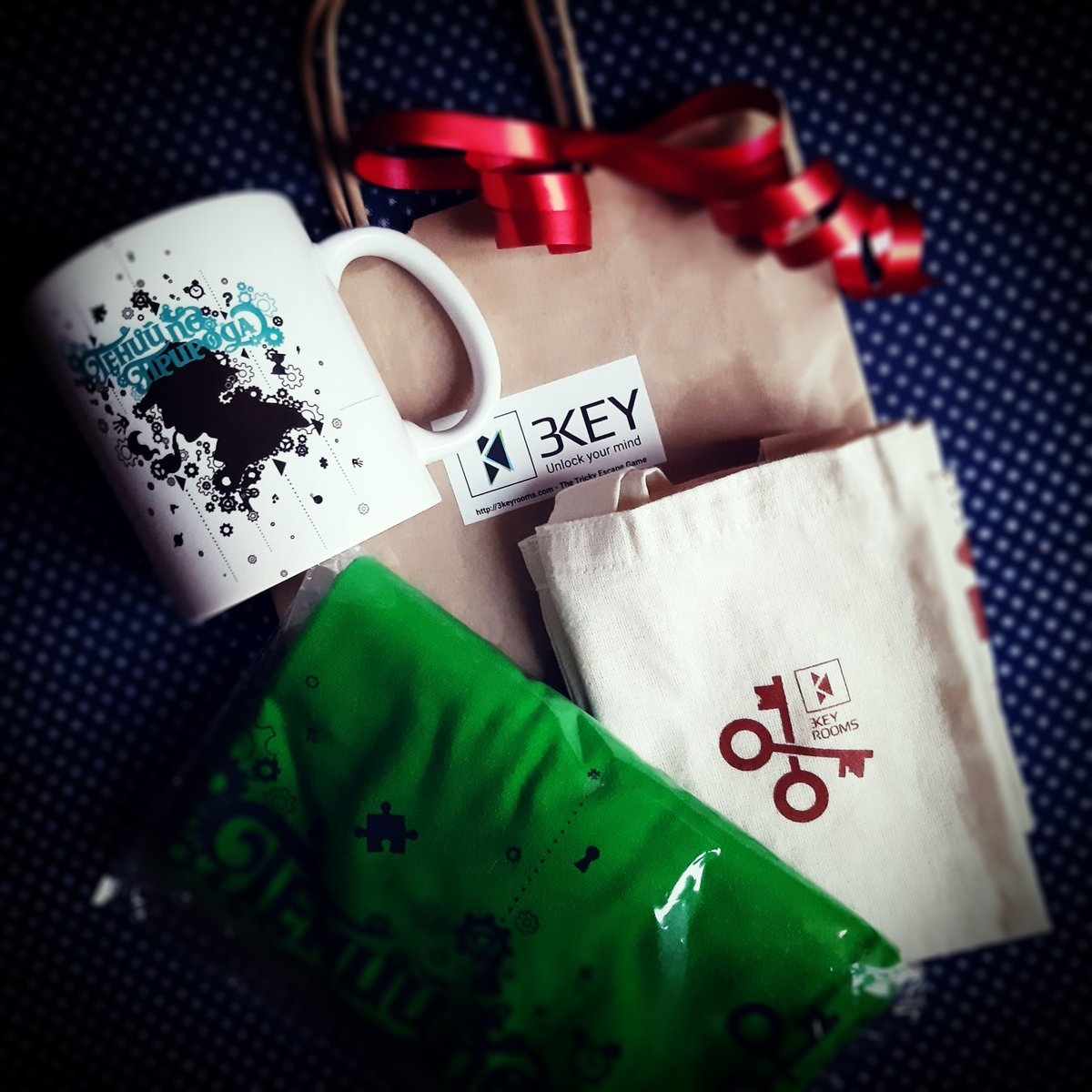If you need #special #gifts for your clients, fans, team, family or friends - just ask! #custom #inscription #bag #mug #illustration #shirt #tee #tshirts #merch #shirtdesign #tshirtdesign #coffeegeek #coffeecup #holmes #coffeelovers #coffeemugs #coffeemug #cup #shirtillustrationpic.twitter.com/AaKSr8lKad