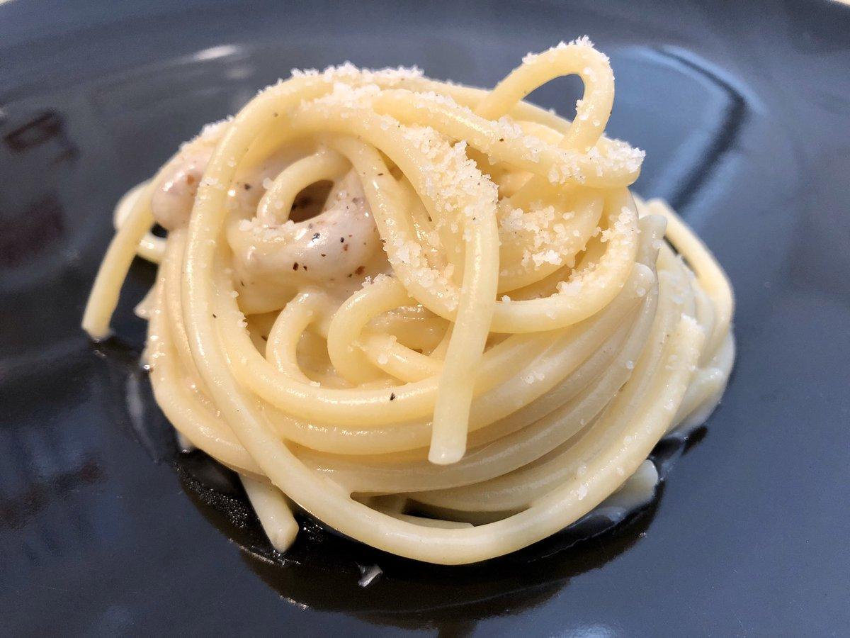 """Se stamattina non avete trovato i pomodori... allora... """"Cacio & Pepe"""" #cacioepepe #cacio #pepe #tradition #art #italy #italia #food #foodstagram #love #pecorinoromano #pecorino #micheleincucina #top #chef #iorestoacasapic.twitter.com/OD52P01itr"""