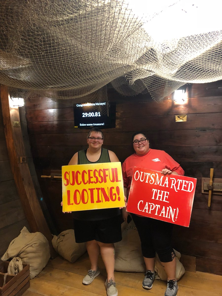 Successful looting! Thanks for jumping aboard and joining the adventure! #escaperoom #fortmyers pic.twitter.com/Lac8gIgl7V