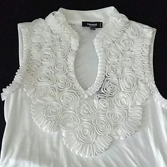 So good I had to share! Check out all the items I'm loving on @Poshmarkapp #poshmark #fashion #style #shopmycloset #premise #hotkiss #mukluks: https://posh.mk/RuMCIy6Le3pic.twitter.com/LVLoPZ8F4j
