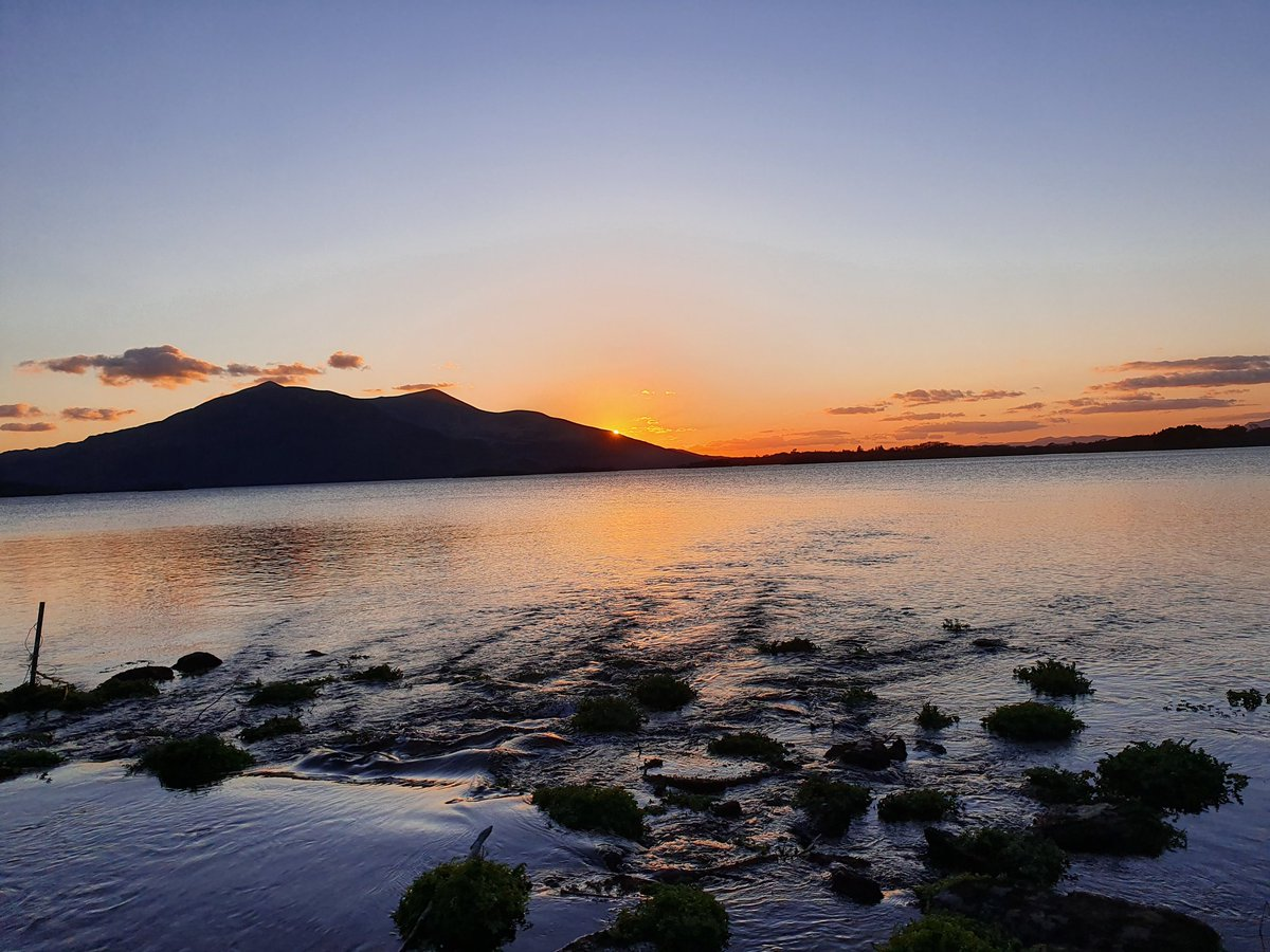 #LoveKillarney When #Covid19 is in our past, Kerry will be ready to welcome back visitors from near and far for free & accessible beauty, peace and nature. (Lough Leane this evening)pic.twitter.com/h87JzL9oOs