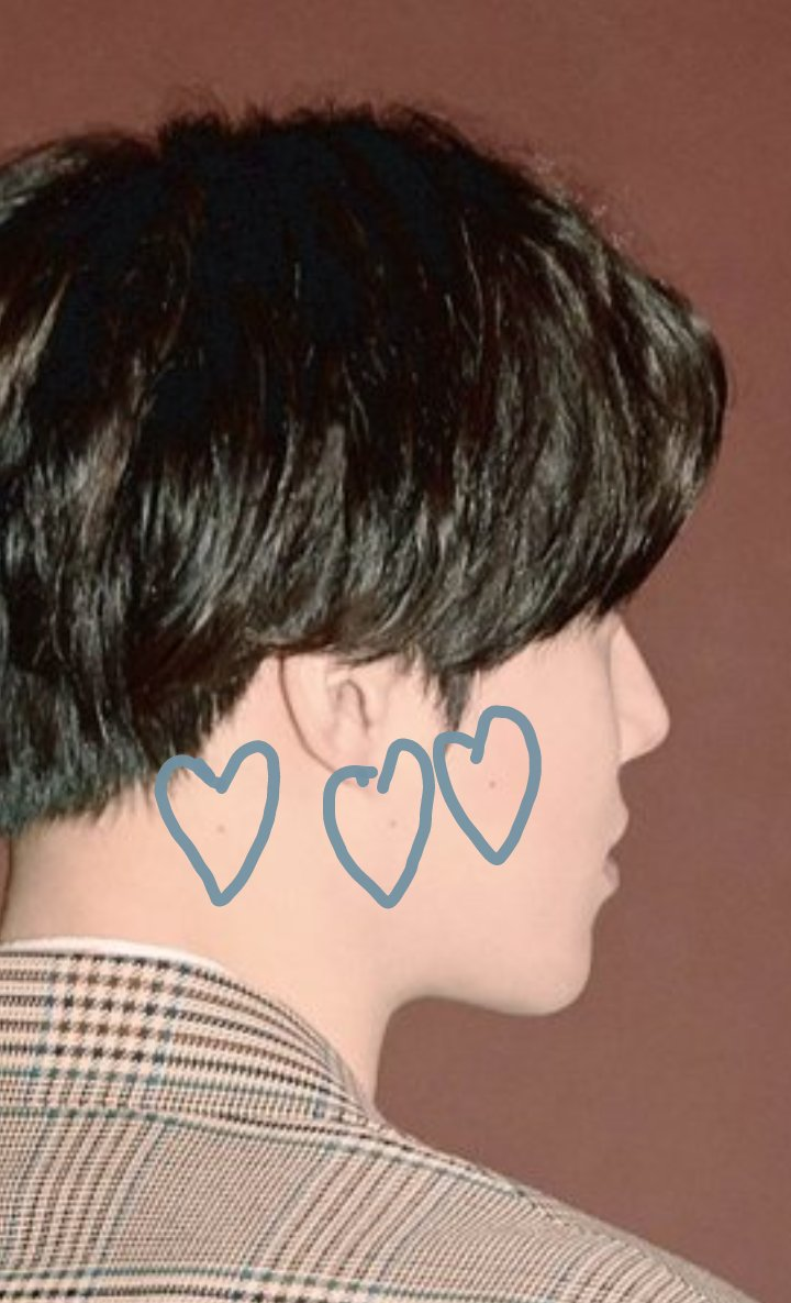 I spent my time waiting for teasers to mark junmyeon's moles trekking on his face  #YouAreMyDream #SUHOARCHIVE29 #자화상  #Self_Portrait  #사랑하자  #LetsLove #김준면 #수호  #SUHO  <br>http://pic.twitter.com/eRE9iee0bO