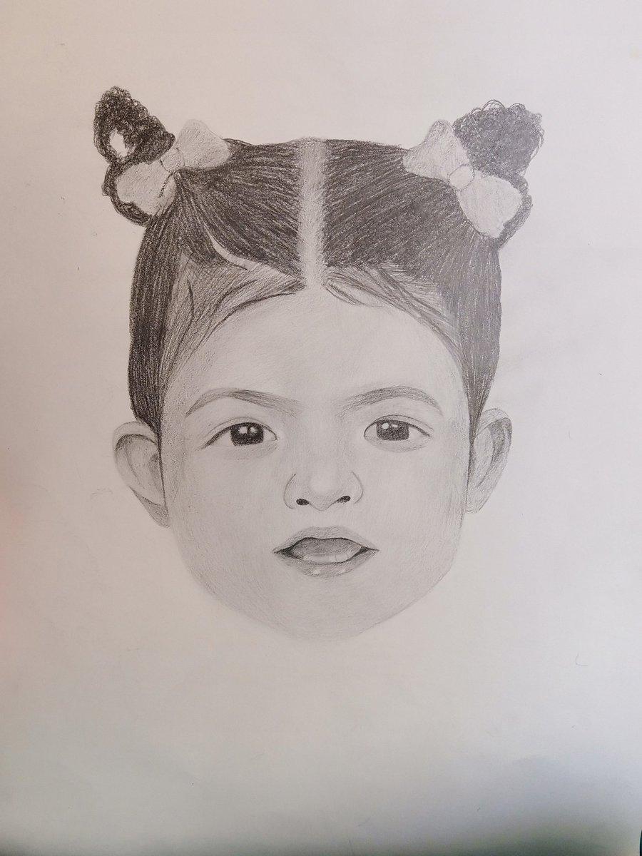 #portraits baby girl  pic.twitter.com/VMU5YoJLvW