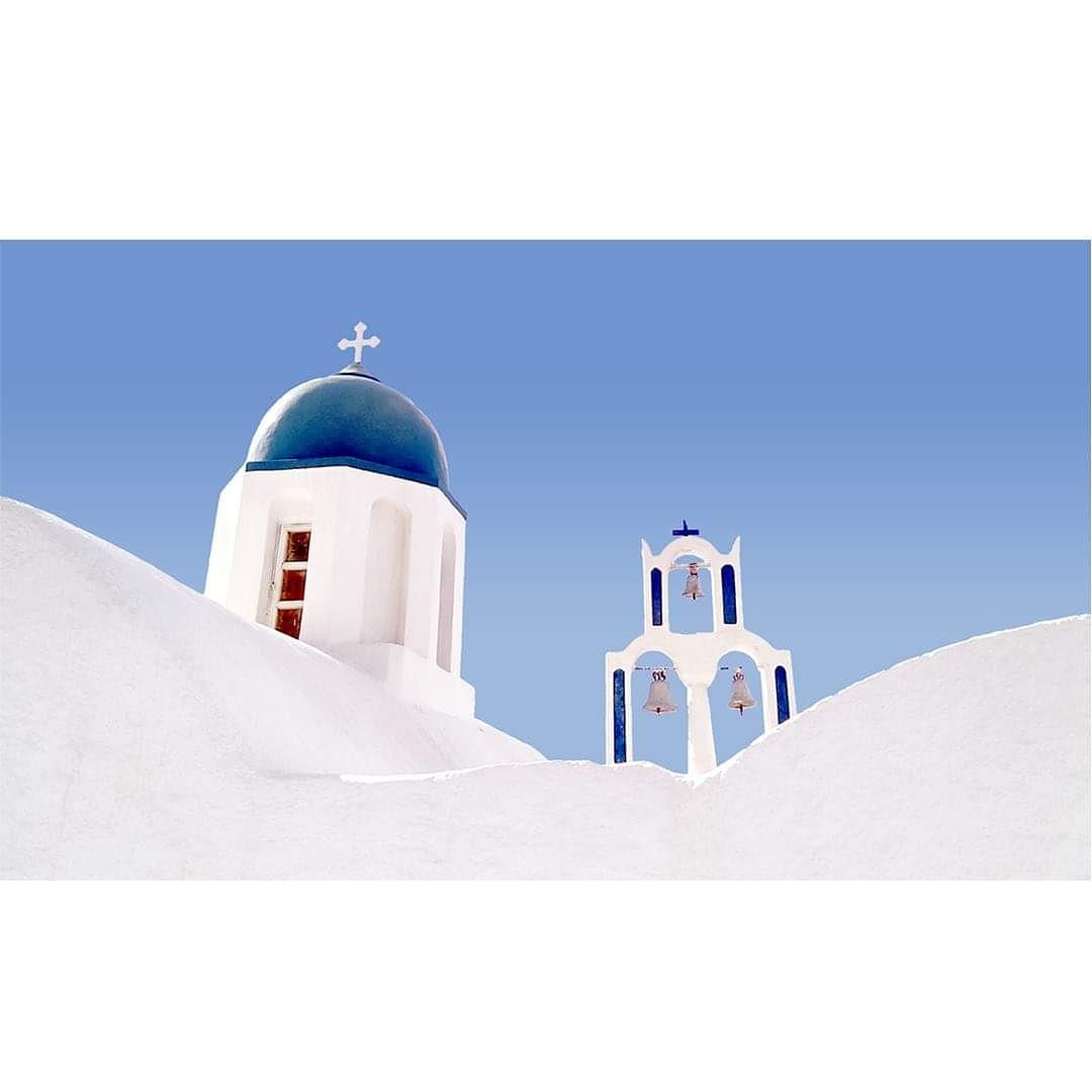 Longing for upcoming times under the Aegean Sun,  Endless Greek summers. Stay Healthy. Enjoy life's joys. #StayHome http://THEGREEKDESIGNERS.COM ________________________________________  #thegreekdesigners #stayhealthy #staysafe #santorini #cyclades #minimalism #greekislands #Greecepic.twitter.com/wvTsVwJitd