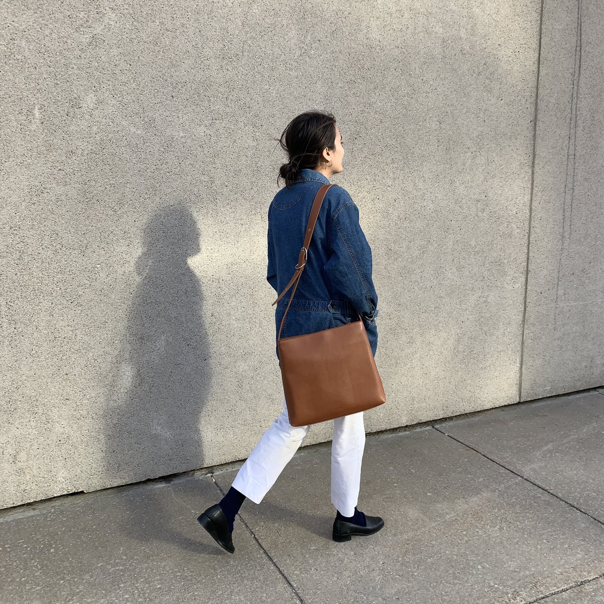 A breath of fresh air is what you need right now. @trouserlady enjoys her walk (away from others) with the MINTY.  Get yours here: https://bddy.me/3dxOBCJ . Une bouffée d'air frais Magasinez ici: https://mattandnat.com/en_ca/minty-chili-matte-nickel… . #mattandnat #vegan #crueltyfree #recycled #styleinspopic.twitter.com/lo4bOmmGV4