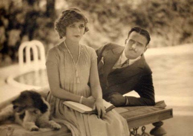 RT @CAOH110291: On this day in 1920, Douglas Fairbanks married Mary Pickford. https://t.co/3kQXlGzTqt
