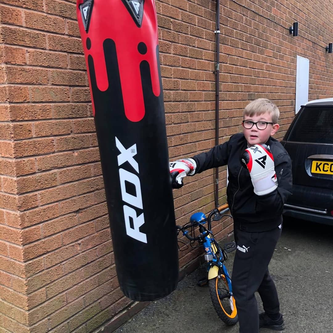 http://Www.evolutionboxingclub.co.uk One of our junior's carrying on with his Boxing training whilst we are in isolation  Well done Lewis #evolution upload   your photos/videos of yourself still in training   #evoulution #BoxingSimulator #boxinggym #Training #motivation   #covid19pic.twitter.com/h9Gs3XdIGe