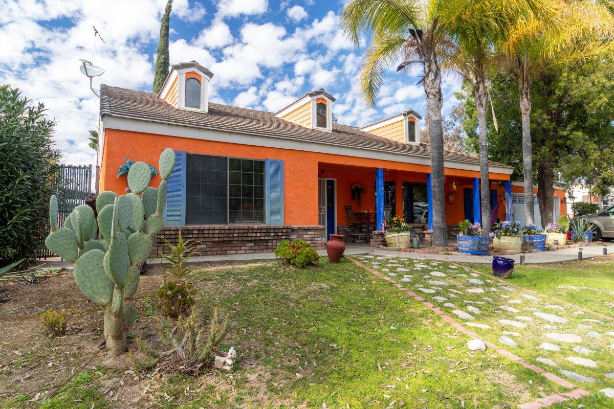 39801 Berenda Road, #Temecula, #CA - 4 Beds/2.75 Baths/2480 SqFt - $950,000 - #Murrieta - http://OpenHouseOn.com?223OpenHouseOn.com/?223pic.twitter.com/9QSNn37DRT