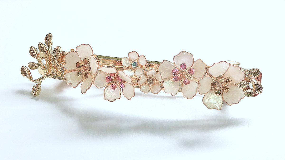 Cherry blossoms  #レジン #ハンドメイド pic.twitter.com/emYOL5a0WY