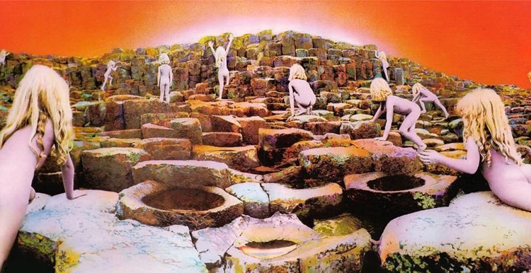 The epic Houses of the Holy dropped on this day way back in 1973.   #LedZeppelin #70srock #gettheledoutpic.twitter.com/Jxi2IyZUV4
