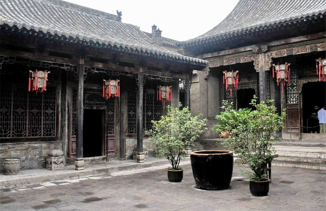 Wang Family Compound is located in Jingsheng Town, 140 kilometers from Taiyuan City, Shanxi Province, China. It is a luxurious residence built during 1762 - 1811 by the descendants of the Wang Family, one of the Four Families of the Qing Dynasty (1644 - 1911) in Shanxi Province.