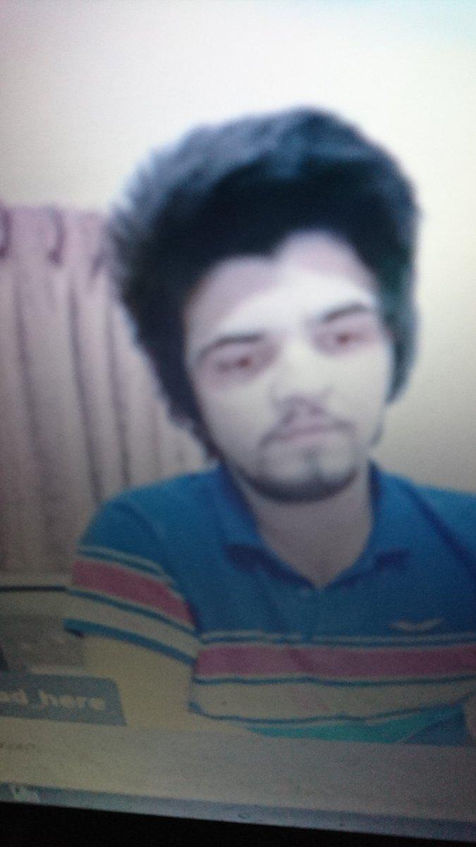 #cryptocurrencylegalkaro bharwe ky hairs hain ya jungle islamabadi burger chicken chotia  #WAQARZAKA #Pakistan