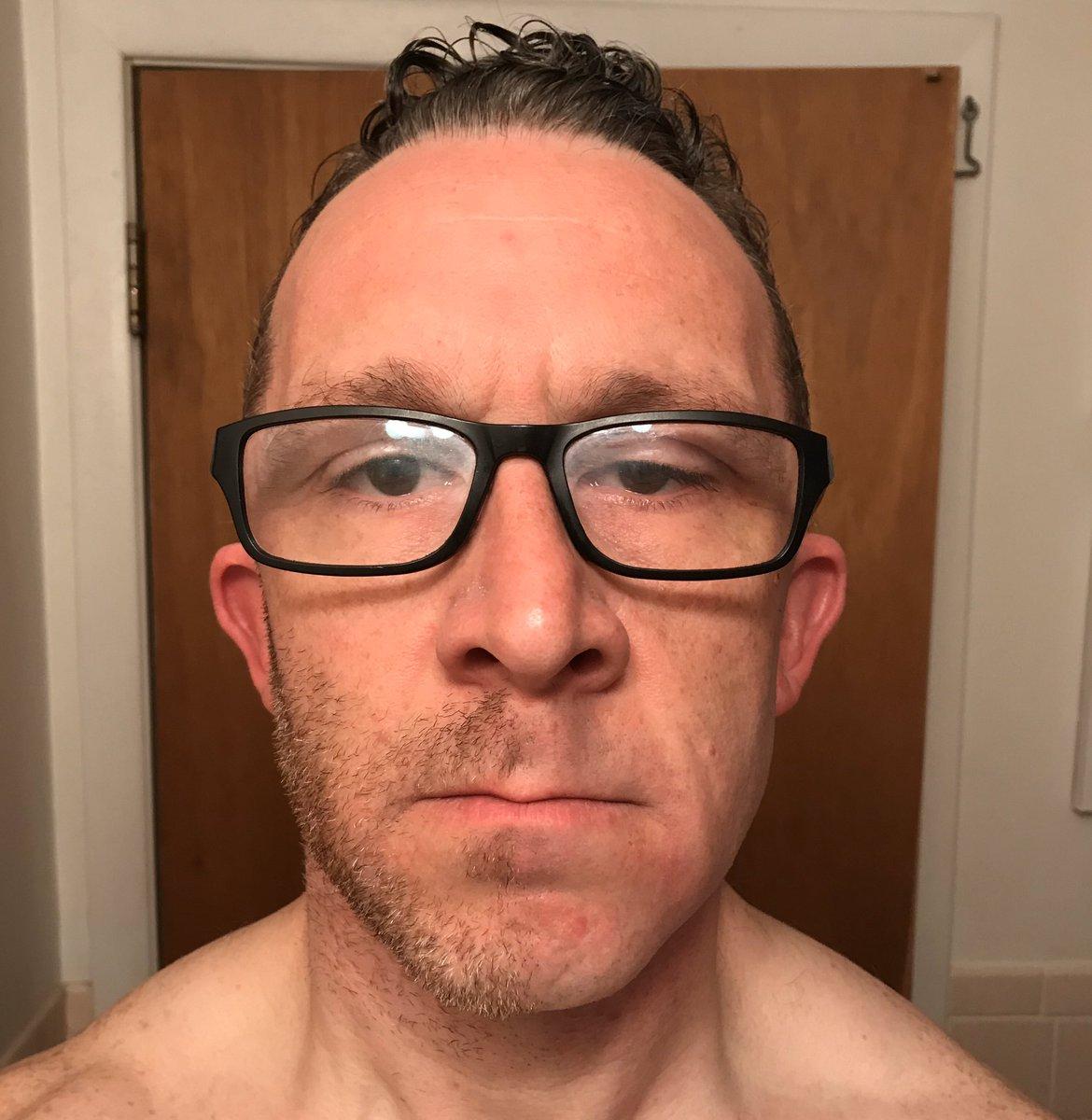 Day 6 of 1/2 beard till we can go out #COVID19  #SaturdayMotivation #halfbeard #homealone #SocialDistanacing #alonetogether #BeardGang #beards #bostoncomedianspic.twitter.com/cImlzfJOCJ