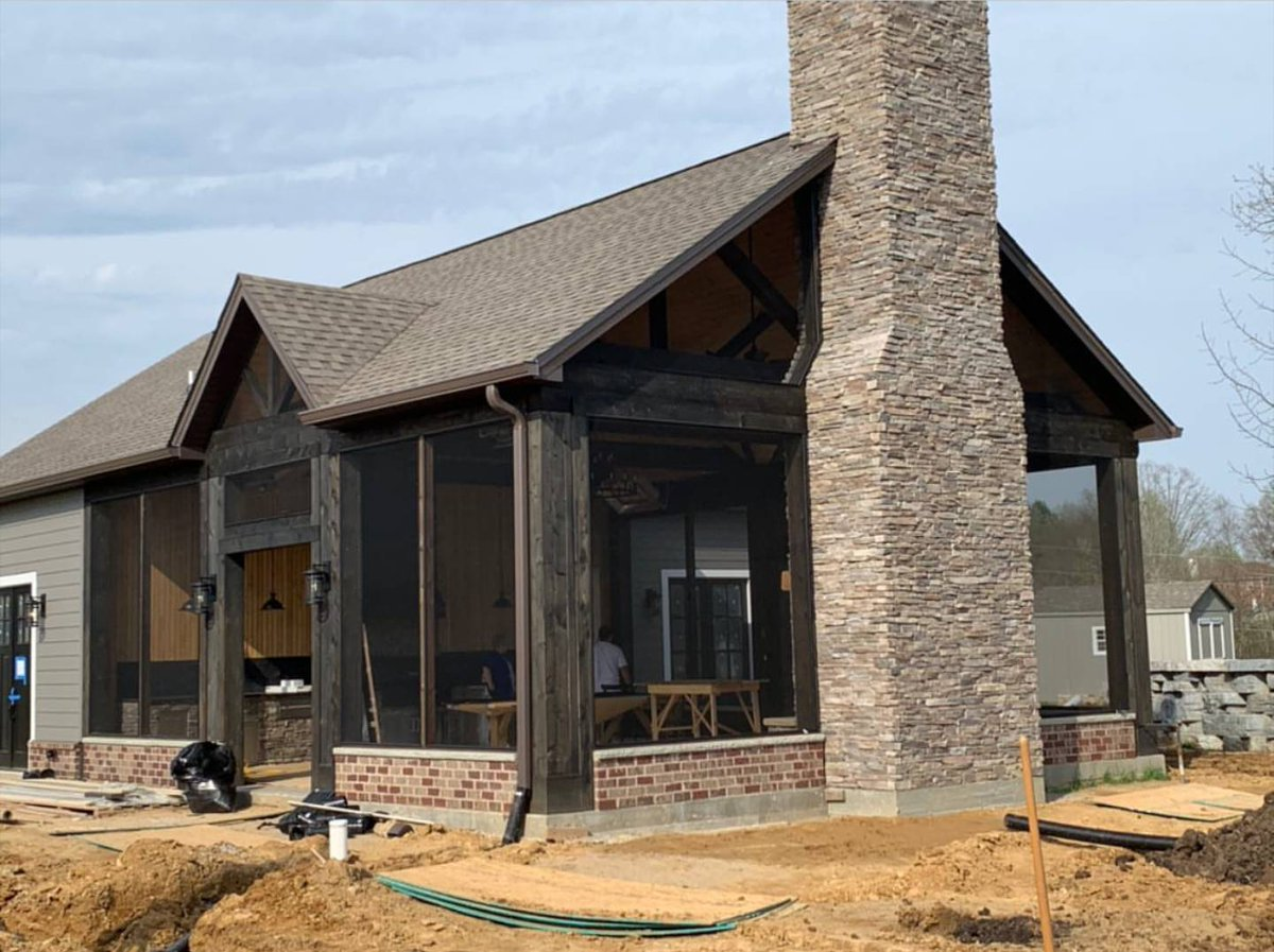 Happy Saturday!Check out this beautiful screen porch made by JohnsonWorks co. using the SCREENEZE® System!   #PorchLife #JohnsonWorksCo #LoveYourPorch #ScreenPorch #Gorgeous #NoSpline #UnobstructedViews #SpringWeather pic.twitter.com/qOh4fU2YZj