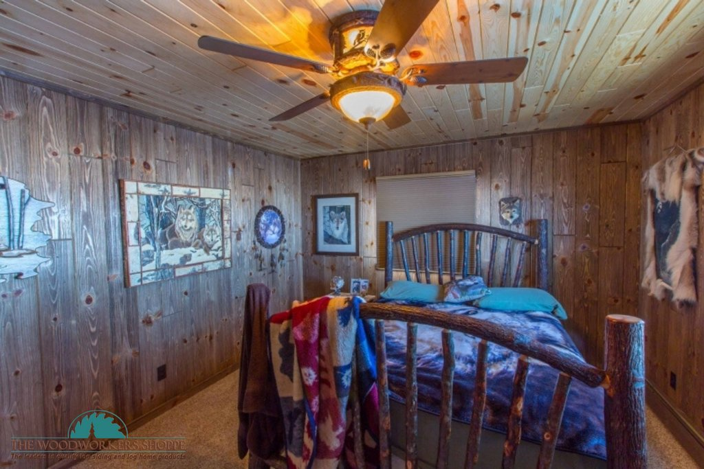 Our Rustic Wood Paneling makes for a very cozy bedroom design!  Wouldn't you agree?  Any Home Can Be A Log Home! Call  (800) 818-9971 today or visit http://www.WoodworkersShoppe.com for more information!pic.twitter.com/W9gezGzbSs