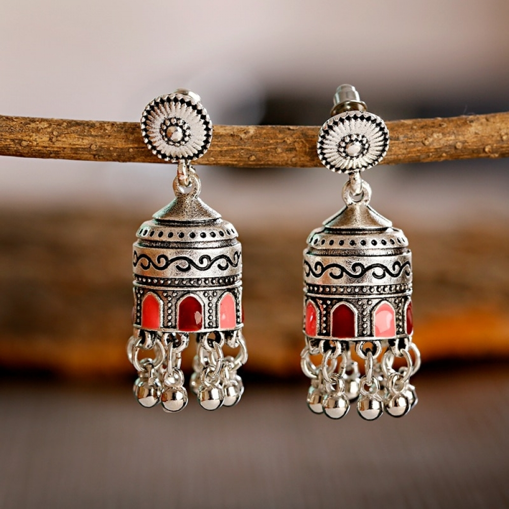 #bling #glitter Retro Indian Tassel Drop Jhumkas https://relicsforriches.com/retro-bollywood-jhumka/ …pic.twitter.com/yjutdjHaXv