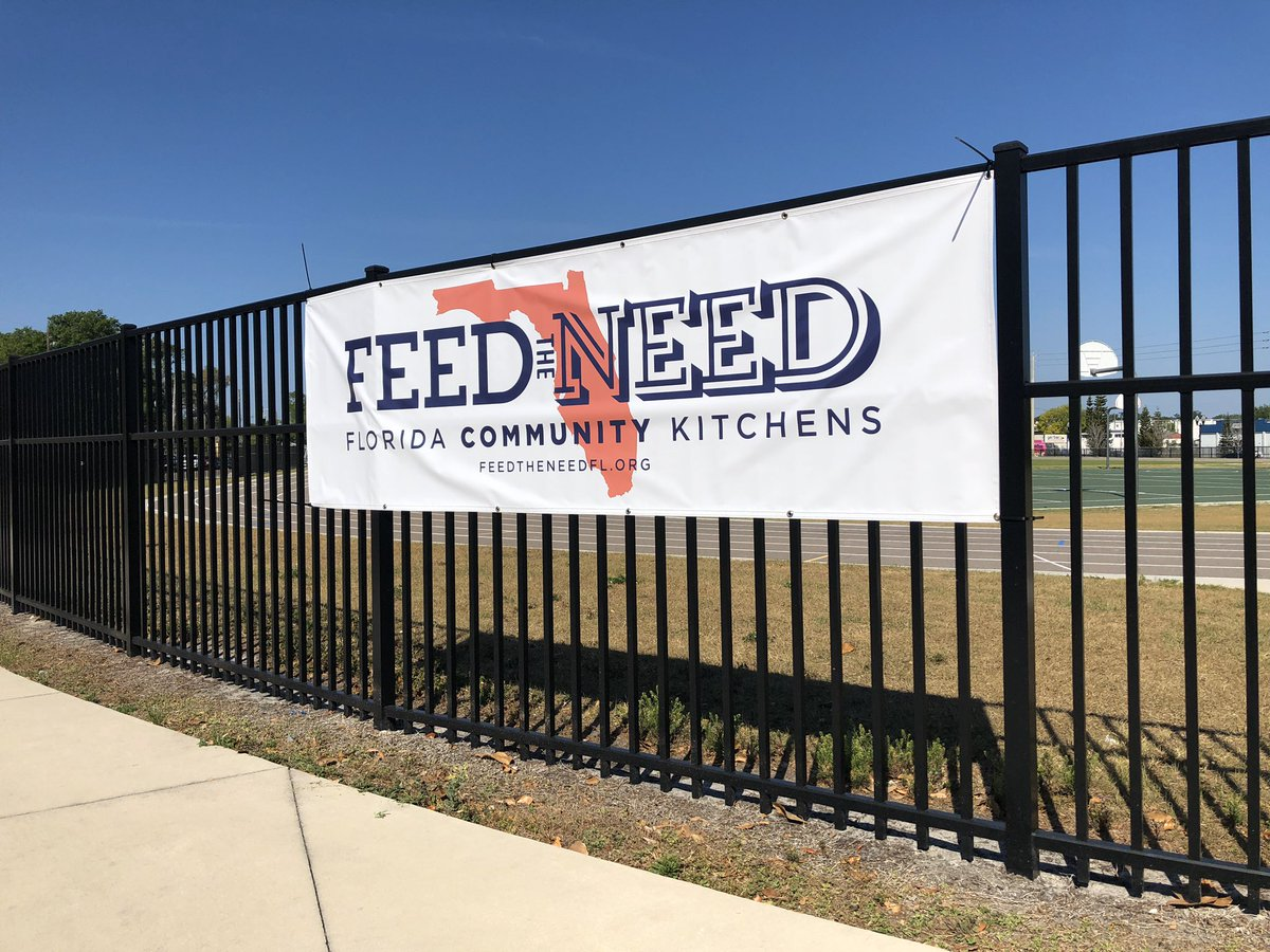 Day ONE - more than 1,000 meals distributed along with fresh produce to students and their families in Parramore! #FeedTheNeed #Orlando #Floridapic.twitter.com/zVoXEEZQW6