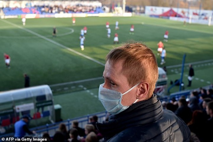 Business As Usual In Belarus As Minsk Derby Is Played In Front Of Full Crowd https://naijacoolgistz.com/business-as-usual-in-belarus-as-minsk-derby-is-played-in-front-of-full-crowd/…pic.twitter.com/8HWhac7zbr